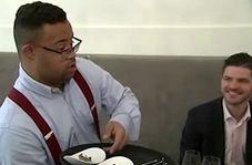 پذیرایی از مشتریان یک رستوران توسط افراد دارای سندروم داون