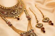 خارج کردن جواهرات و فلزات از شکم زن هندوستانی!