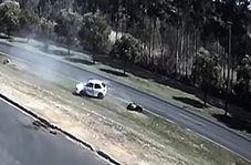 تصادف دلخراش پلیس با یک اتوموبیل