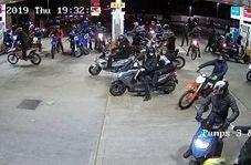 سرقت گروهی موتورسواران نقابدار از فروشگاه!