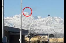 صحنهای از تلاش جستوجوگران برای پیدا کردن جنگنده و خلبان ارتش در اردبیل
