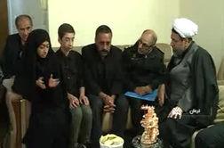 فیلم/ دلجویی از خانوادههای داغدار حادثه 17دی (تشییع شهید سردار سلیمانی)