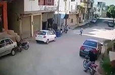 لحظه حمله تروریستی به فروشگاهی در حماه سوریه!