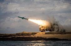 لحظه شلیک موشک کاملا ایرانی ضد کشتی