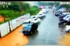 لحظاتی هولناک از رانش زمین و سیل در چین