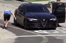 شیوه جدید سرقت خودرو در حضور صاحب ماشین!