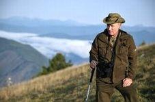 کوهپیمایی ولادیمیر پوتین در روز تولدش در سیبری