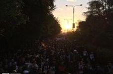 تصاویر حیرت انگیز از خروش بامدادی جمعیت در اهواز برای استقبال از پیکر شهید قهرمان: حاج قاسم سلیمانی