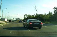 واژگون شدن خودرو در بزرگراه، عاقبت رانندگی جنون آمیز