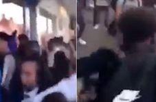 درگیری فیزیکی شدید دانش آموزان در خیابان!