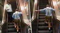اقدام عجیب مرد جوان، مسافران مترو را به خنده واداشت!
