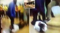 ضرب و شتم شدید معلم توسط دانش آموز!