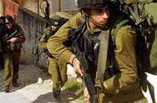 هتک حرمت نظامیان رژیم صهیونیستی به پیکر یک شهید فلسطینی