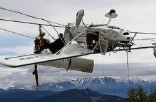 گیر افتادن عجیب هواپیما میان هوا و زمین
