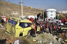 گزارشی میدانی از محل حادثه واژگونی اتوبوس دانشجویان علوم تحقیقات