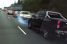 حرکت خطرناک راننده مرسدس بنز باعث ایجاد تصادف شد!