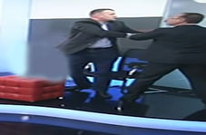 کتک کاری نمایندگان مجلس در برنامه زنده تلویزیونی