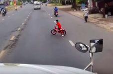شوک وحشتناکی که پسر بچه به راننده کامیون داد