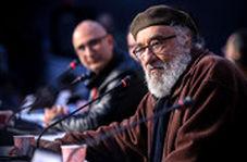 اشکهای داریوش ارجمند در فراق سردار شهید سلیمانی: صبر میکنم در قیامت او را ببینم
