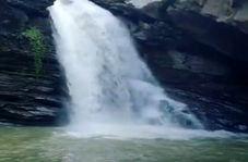 آبشار بینظیر و دیدنی ساسنگ در مینودشت