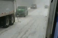 تصادف زنجیره ای در هوای برفی آمریکا