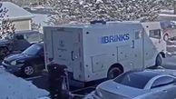 حمله سارقان مسلح به خودروی حمل پول+ فیلم