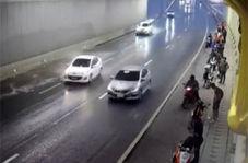 حملهور شدن یک خودروی سواری به عابران کنار خیابان