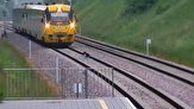 سگی که حرکت یک قطار را مختل کرد