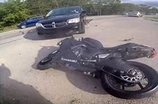 تصادف وحشتناک عاقبت رانندگی دیوانه وار با موتورسیکلت