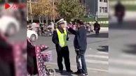 اقدام زشت مرد سالخورده در خیابان!