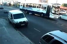 عاقبت مرگبار تک چرخ زدن در فاصله ۳ متری اتوبوس
