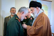 فیلم منتشر نشده از تکبیر سردار سلیمانی در مقابل رهبرانقلاب