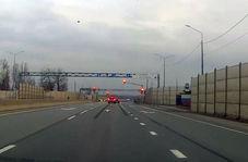 تصادف یک دستگاه خودرو پشت چراغ قرمز + فیلم
