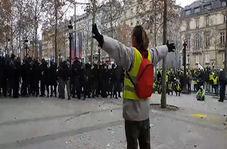 شلیک گلوله پلاستیکی به معترضان جلیقه زرد در پاریس