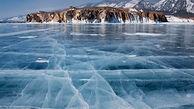 سرمای طاقتفرسایی که باعث یخ زدن ناگهانی ماهی روی سطح دریاچه شد
