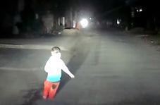 شوکی که کودک ۳ ساله به راننده اتوبوس وارد کرد