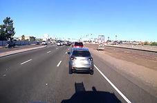 تصادف با سه خودرو حین پیامک زدن