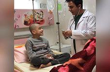 شوخی عموپورنگ با یک کودک ارومیهای در بیمارستان