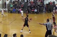 پرتاب استثنایی یک نوجوان در زمین بسکتبال
