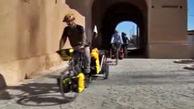خانوادهای که با دوچرخه به 13 استان کشور سفر کردند