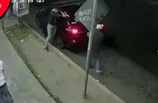 لحظه شلیک سارقان خودرو به دختر نوجوان