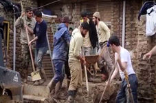 امدادرسانی ستاد مردمی امام رضاییها در مناطق سیل زده