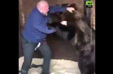مبارزه ورزشکار روس با خرس غول پیکر