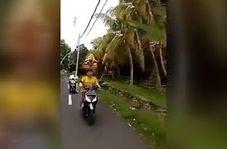 موتورسواری عجیب یک زن سوژه شبکههای اجتماعی شد