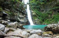 چشماندازی از آبشار پلکانی شیرآباد در «خانببین»